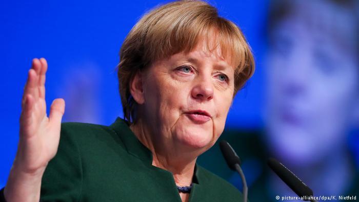 Essen CDU-Bundesparteitag Rede Merkel (picture-alliance/dpa/K. Nietfeld)