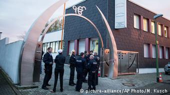 Deutschland Anschlag auf Sikh Tempel in Essen (picture-alliance/AP Photo/M. Kusch)